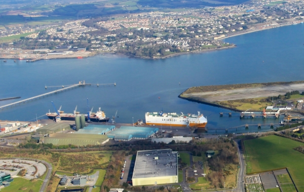 Largest Container Ship Ever Arrives In the Port of Cork